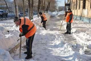 Сегодня в работах по расчистке города от снега задействованы 23 единицы техники