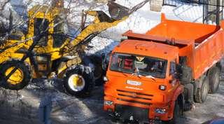 Для расчистки Уссурийска от снега и наледи задействованы 33 единицы спецтехники