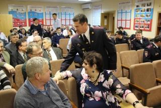 В Уссурийске ветераны органов внутренних дел на транспорте встретились с действующими сотрудниками