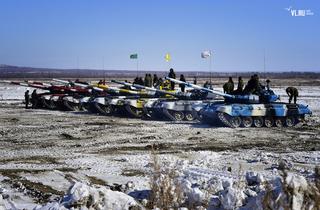 Быстрее и точнее: военные из Приморья борются за победу на танковом биатлоне под Хабаровском
