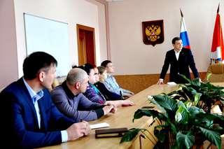 Глава администрации УГО встретился с пострадавшими во время пожара на ул. Ленина, 91