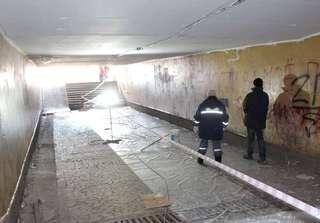 Работы по благоустройству подземного перехода ведутся в Уссурийске