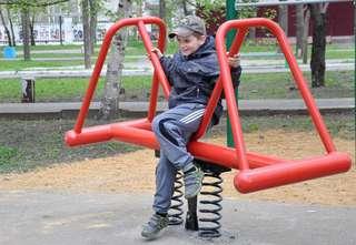 Уличные тренажеры установлены в городском парке Уссурийска
