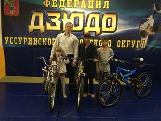 В Борисовке наградили велосипедами воспитанников секции  борьбы дзюдо