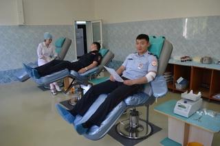 В Уссурийске полицейские приняли участие в акции МВД по добровольной сдаче крови