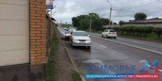 В Уссурийске за один день несколько водителей повредили свои авто на Комсомольской