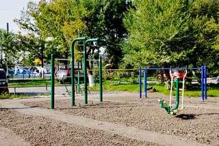 В уссурийских дворах устанавливают новые спортивные площадки