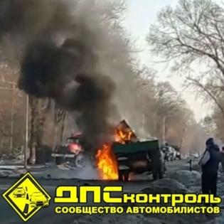 Автомобиль вспыхнул на дороге в Уссурийск