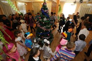 «Матери России» исполнили новогодние пожелания воспитанников детдома поселка Новошахтинский