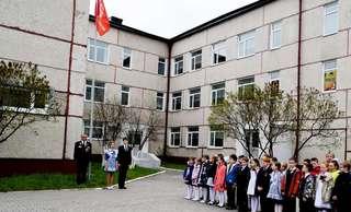 Уссурийские школьники поддержали Всероссийскую акцию «Часовой у знамени Победы»