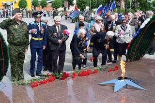 В День памяти и скорби в Уссурийске прошла церемония возложения венков и цветов к Вечному огню