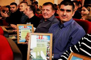 В честь Дня Приморского края в Уссурийске чествовали спасателей и пожарных