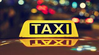 В Уссурийске таксист обокрал пьяного пассажира