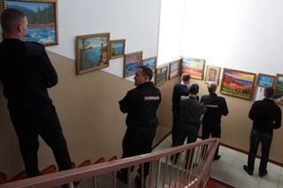 На ст.Уссурийск сотрудники транспортной полиции вдохновляются пейзажами приморского художника
