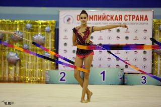 Спортсменки из Находки, Уссурийска и Владивостока поборолись за победу в первенстве края по художественной гимнастике