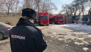 В Уссурийске двое парней обокрали автомойку на 540 тысяч рублей