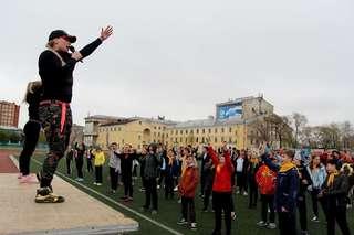 На общегородскую зарядку в Уссурийске более 100 человек