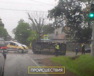 Очередное серьёзное ДТП с такси произошло в Уссурийске