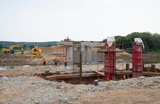 Движение по мосту в Кроуновке планируют запустить в октябре