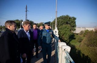 Подтопленцы из Уссурийска показали Олегу Кожемяко, как живут после стихии