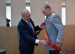 Почетный гражданин города Уссурийска Александр Дворников получил заслуженные награды