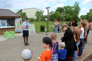 В Уссурийске в День защиты детей сотрудники ГИБДД организовали программу «Вместе в безопасное лето»