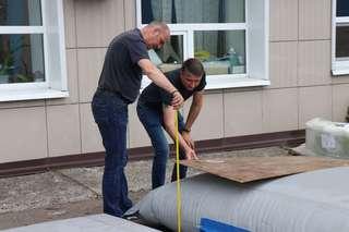 Водоналивные дамбы для защиты от наводнений доставили в Уссурийск