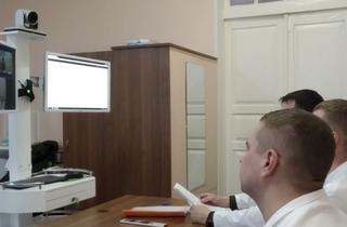 Военные врачи Уссурийска консультируются с коллегами из Питера в формате видеоконференции