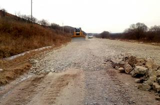 Начался ремонт дороги до «Изумрудной долины» в Приморье