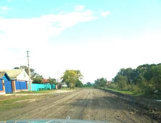 Дорожные службы приступили к реконструкции улицы Колхозной в Новоникольске