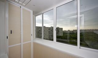 Остекление балконов и лоджий силами профессионалов