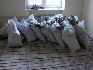 """Кто поможет вывезти мусор из квартиры? Заказываем услугу в """"Мусоротакси. рф"""""""