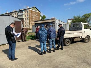 Незаконно установленные гаражи вывезли с территории Междуречья