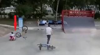 Трюк в скейт-парке едва не закончился трагедией