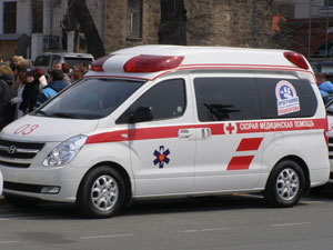 В Уссурийском районе под колесами авто погиб мужчина
