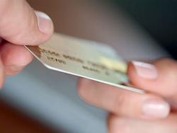 У приморцев незаконно снимают деньги с банковских карт