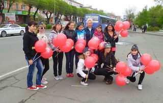 Юные инспекторы ГИБДД ограждают жителей Уссурийска от аварий