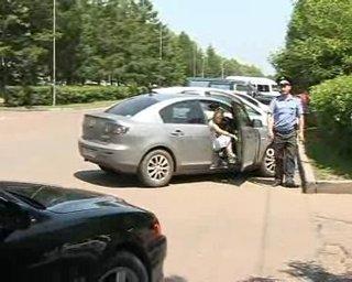 В Уссурийске водители привыкают к новым правилам парковки