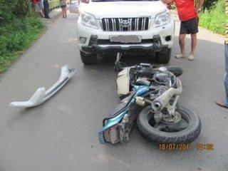 В Уссурийске из-за невнимательности пострадал мотоциклист