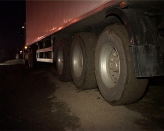 Под колёсами большегруза погиб 45-летний мужчина