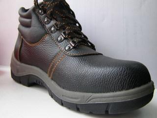 Уссурийские таможенники арестовали 6722 пары китайской обуви