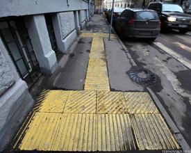 В Уссурийске планируется оборудовать тротуары тактильными информационными плитами