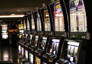Зал игровых автоматов прикрыли в Уссурийске