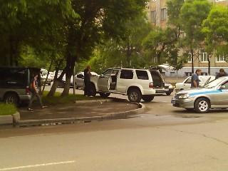 На нерегулируемом перекрестке столкнулись 2 авто