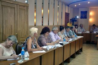В администрации УГО обсудили вопросы взаимодействия граждан с управляющими компаниями