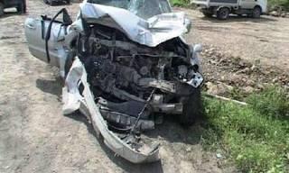 Многотонный грузовик раздавил джип, пострадали 3 человека