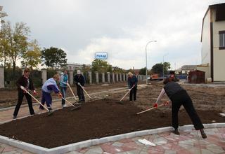 Общегородской субботник состоялся на стадионе «Локомотив»